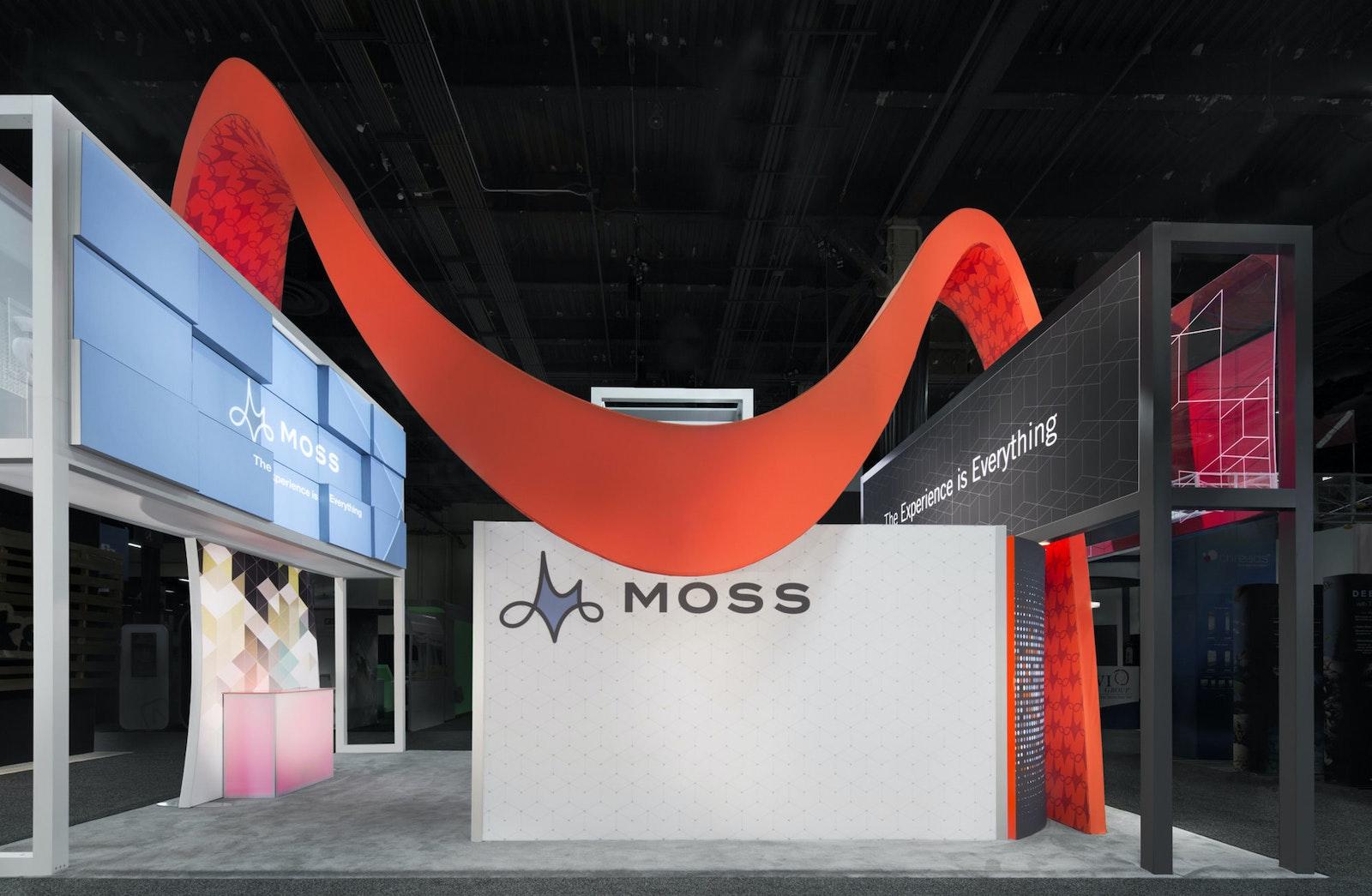 Moss Display F