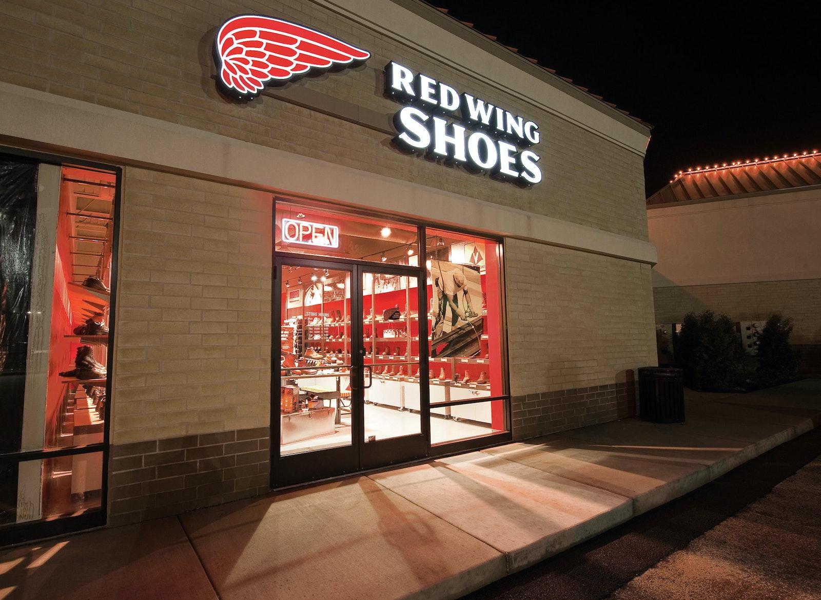 Red Wing Irish Setter Store Outside A